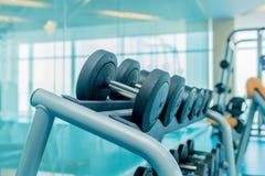 Gym moderno com vário material desportivo imagem de stock royalty free