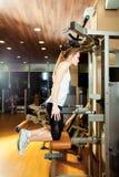 Gym triceps upadów ćwiczenia treningu kobieta salowa Zdjęcie Stock