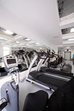 Gym z specjalnym wyposażeniem, pustym Zdjęcia Stock