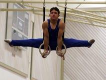 Gymnast auf Ringen Lizenzfreies Stockbild
