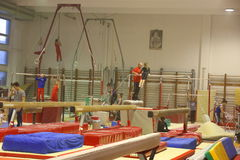 Gymnastes juniors dans la formation Photos stock