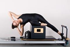 Gymnastiek pilates stock afbeeldingen