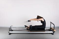 Gymnastik pilates Lizenzfreie Stockbilder