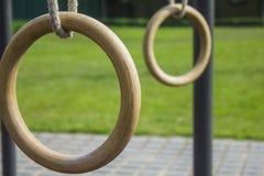 Gymnastik ringer 2 (genomköraren parkerar), Arkivbilder