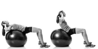 Gymnastikball-Übung stockfoto
