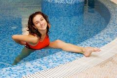 gymnastikkvinna arkivfoto