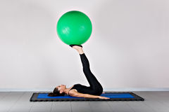 gymnastikpilates royaltyfri foto