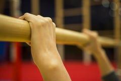Gymnastisk utrustning i en idrottshall i Faroeen Island royaltyfria bilder