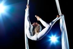 gymnastkvinnabarn Fotografering för Bildbyråer