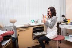 Gynecologist działanie zdjęcia royalty free