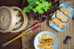 Gyoza japanska foods, Gyoza med räkakött Arkivfoton