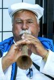 Gypsy fletowy gracz wykonuje przy Kirkpinar turecczyzny oleju Zapaśniczym festiwalem w Edirne w Turcja Fotografia Royalty Free