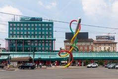 Há o nodo do filo, escultura famosa em Milão Fotografia de Stock