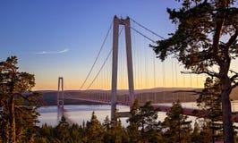 Högakustenbron - Zweden - Zonsondergang Stock Afbeelding