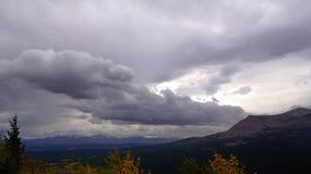 Häftigt regn över utkikpunkt, höst Arkivfoton