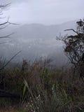Häftigt regnsikt av berget Arkivbild
