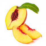 Hälft av nektarinfrukt med skivor Royaltyfria Foton