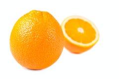 hälft isolerade apelsiner Royaltyfri Fotografi