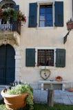 Hälfte das façade des Schlosses von Strassoldo Friuli (Italien) Lizenzfreie Stockbilder