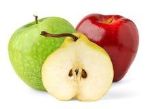 Hälfte der Birne und der Äpfel Stockfoto