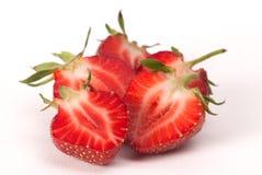 Hälfte der Erdbeere auf weißem Hintergrund Stockfotografie