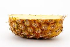 Hälfte eine Ananas Stockfotografie