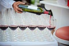 häll wine glass lunchwine för strand Royaltyfri Fotografi
