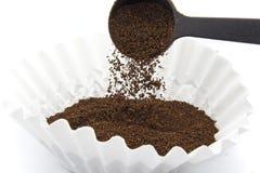 hälla för kaffejordning arkivbilder