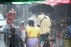 Hällregn i Mae Sod, nordliga Thailand royaltyfri fotografi