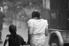 Hällregn i Mae Sod, nordliga Thailand arkivbilder