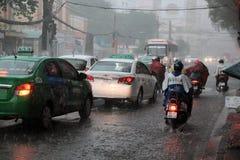 Hällregn regnig säsong på den Ho Chi Minh staden Royaltyfri Fotografi