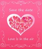 Hälsa det rosa kortet med hjärtaform med hjärtor för att gifta sig inbjudan vektor illustrationer