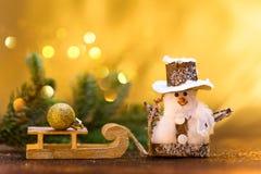 Hälsningar för ` s för nytt år ekologiskt trä för julgarneringar royaltyfri bild
