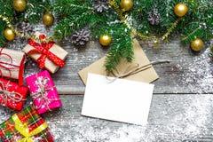 Hälsningkort för julferier och lyckligt nytt år royaltyfria foton