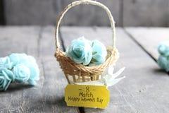 Hälsningkort för mars 8 Internationell kvinnas dag, blommakort med rosor Arkivbild