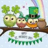 Hälsningkort för St Patricks med tre ugglor stock illustrationer