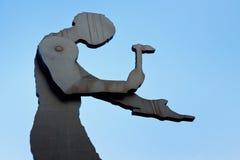 Hämmern der Mann-Skulptur in Frankfurt Stockfotos