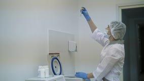 Hämodialyse, Apparat der künstlichen Niere Einsparungs-Leben stock video footage