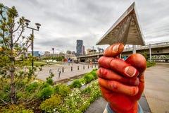 Hände überall in der Gemeinschaft Stockbild