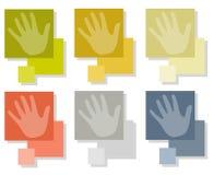 Hände auf quadratischen Fliesen Stockfotografie