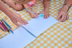 Hände der Kinderzeichnung Lizenzfreie Stockfotografie