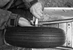 Hände des Mechanikers Lizenzfreies Stockbild