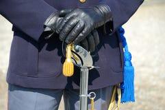 Hände des Polizisten Stockbild