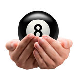 Hände, die Ball halten Lizenzfreie Stockbilder
