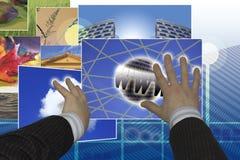 Hände, die Bilder wählen Lizenzfreie Stockfotografie