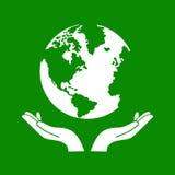 Hände, die den grüne Erdkugel-Vektor halten Stockfotografie