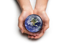 Hände, die für die Erde sich interessieren Lizenzfreie Stockfotos