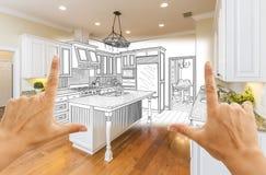 Hände, die kundenspezifische Küchen-Konstruktionszeichnung und Quadrat-Foto-COM gestalten stockfoto