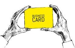 Hände, die leeren Visitenkarteskizzenvektor halten Lizenzfreies Stockfoto