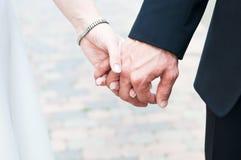 Hände geheiratet Stockfotografie
